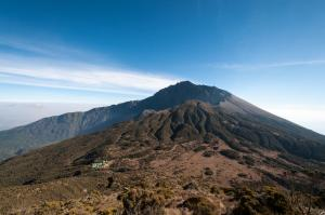 Climbing Mount Meru In 3 Days Tour Packages